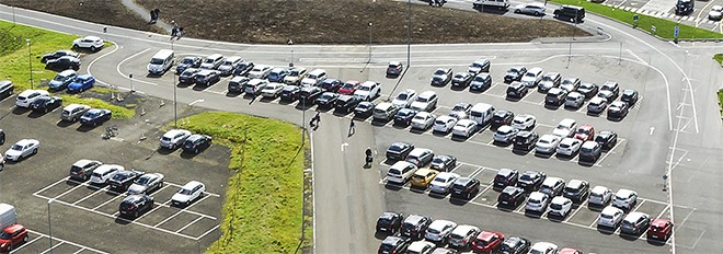 Parkering og gjald fyri parkering